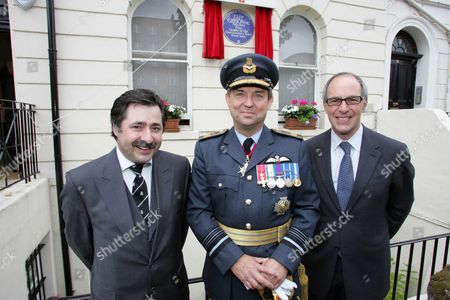 L-r: Richard Smith House Owner And Proposer Air Marshall Sir Clive Loader Raf And Lloyd Grossman Chairman Of Blue Plaque Panel For English Heritage. Guy Gibson V.c. (1918-1944) Was Commemorated With An English Heritage Blue Plaque On June 26 2006 At 2pm At 32 Aberdeen Place London Nw8. As A Leader Of The Dambusters Raid Gibson Is One Of The Most Celebrated Heroes Of The Second World War And Sir Winston Churchill Called Him 'one Of The Most Splendid Of All Our Fighting Men.' The Success Of The Mission Was Immortalised In The Classic British Film 'the Dam Busters' (1954) With Richard Todd In The Lead Role As Gibson. Guy Gibson And His Wife Eve Moved To The Flat At 32 Aberdeen Place In The Summer Of 1942 And It Is The Only Address In London At Which Gibson Is Known To Have Lived. The Unveiling Comes At The Same Time As The Bomber Comand Exhibtion At Imperial War Museum North Which Explores The Allied Bomber Campaign In Wwii - And Of Course The Role Of Gibson And The Dambusters. English Heretige Unveiling Of A Blue Plaque On The House That Wartime Pilot And Leader Of The Dam Buster Raids Guy Gibson Lived. L-r Richard Smith House Owner And Proposer. Air Marshall Sir Clive Loader Raf Lloyd Grossman Chairman Of Blue Plaque Panel For Eh Picture By Glenn Copus