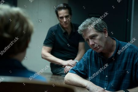 Yul Vazquez as Yunis Sablo and Ben Mendelsohn as Ralph Anderson