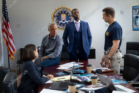 Stock Picture of Titus Welliver as Harry Bosch and Jamie Hector as Jerry Edgar