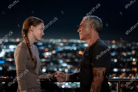 Stock Photo of Madison Lintz as Maddie Bosch and Titus Welliver as Harry Bosch