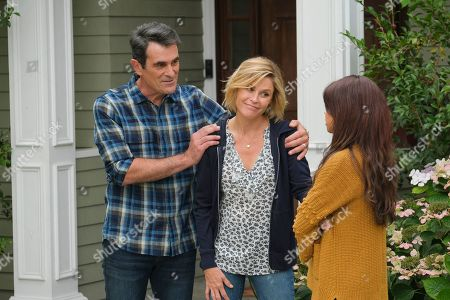 Ty Burrell as Phil Dunphy, Julie Bowen as Claire Dunphy and Sarah Hyland as Haley Dunphy