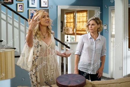 Rachel Bay Jones as Farrah and Julie Bowen as Claire Dunphy