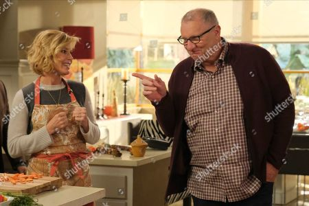 Julie Bowen as Claire Dunphy and Ed O'Neill as Jay Pritchett