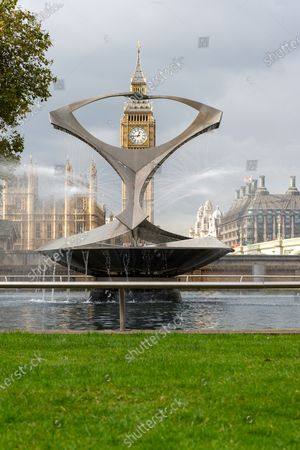 The Revolving Torsion Fountain by constructivist sculptor Naum Gabo in the Hospital Garden at Guy's and St Thomas' NHS Hospital, Westminster with views across to the House of Commons and Big Ben