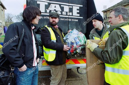 Stock Photo of Ep 3165 Friday 26th April 2002 While working for Tate Trash, the Dingles take an interest in paper recycling. With Cain Dingle, as played by Jeff Hordley ; Zak Dingle, as played by Steve Halliwell ; Sam Dingle, as played by James Hooton ; Phil Weston, as played by Mark Jardine.