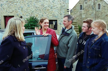 Stock Image of Ep 3151 Tuesday 9th April 2002 A few tears are shed as Jess is packed off to live with her real mother. With Maggie Calder, as played by Dee Whitehead; Jess Weston, as played by Ruth Abram; Phil Weston, as played by Mark Jardine; Craig Calder, as played by Jason Hain; Lucy Calder, as played by Elspeth Brodie.