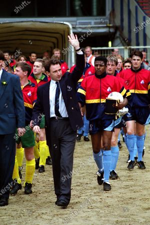 Wycombe Wanderers Manager, Martin O'Neill, former Nottingham Forest player, leads out the Wycombe team onto the pitch during Runcorn vs Wycombe Wanderers, Vauxhall FA Trophy Final Football at Wembley Stadium on 9th May 1993