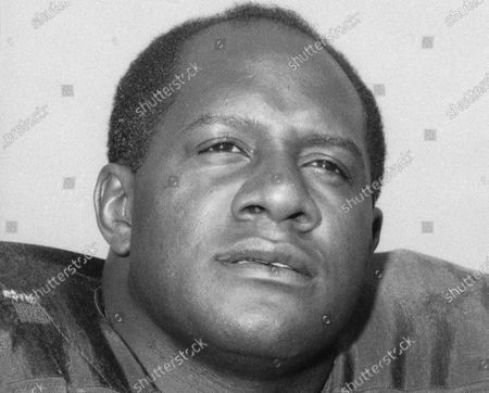 Stock Photo of Showing Green Bay Packers' Willie Davis. Davis, a Pro Football Hall of Fame defensive lineman who helped the Packers win each of the first two Super Bowls, has died. The Packers confirmed Davis' death to the Pro Football Hall of Fame on . He was 85
