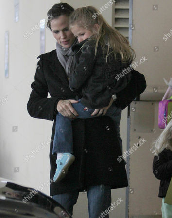 Stock Image of Jennifer Garner with daughter, Violet Affleck