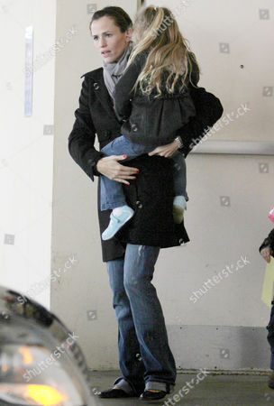 Stock Picture of Jennifer Garner with daughter, Violet Affleck