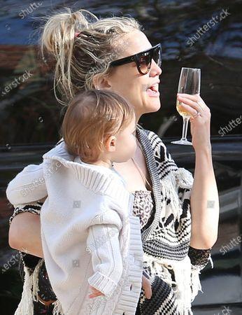 Stock Photo of Kate Hudson celebrates her birthday by drive thru during quarantine with daughter Rani Rose Hudson Fujikawa