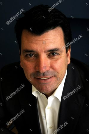 Editorial picture of Nicholas Cowell, Director of Estate  Office property consultants - Dec 2009