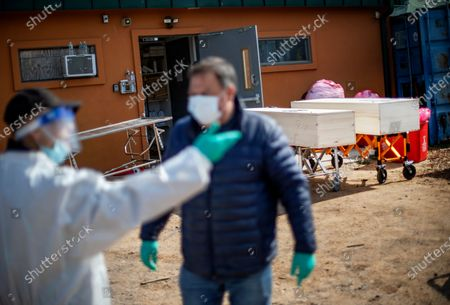 Editorial photo of Virus Outbreak Burying the Dead, New York, United States - 12 Apr 2020