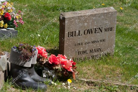 The grave of actor Bill Owen MBE, who was best known for playing 'Compo' in Last of the Summer Wine. He is buried in St John's Church in Upperthong next to his friend Peter Sallis, who played 'Clegg'.