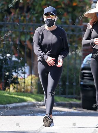Reese Witherspoon out for a walk during quarantine