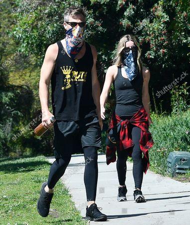 Chris Pine, Annabelle Wallis