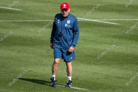 assistant coach Hermann Gerland (Bayern)