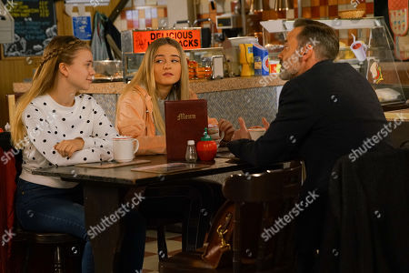 Ep 10055 Wednesday 29th April 2020 Summer Spellman, as played by Matilda Freeman, takes pity on Kelly Nellan, as played by Millie Gibson. When Summer explains to Billy Mayhew, as played by Daniel Brocklebank, that Kelly's mum has abandoned her, he agrees to let her stay at their flat.