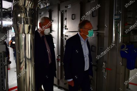 Minister President of Lower Saxony Stephan Weil (R) visits The University of Veterinary Medicine Hanover in Hannover, Germany, 29 April 2020. Scientists of the Veterinary university are searching for a vaccine against the SARS-CoV-2 coronavirus which causes the Covid-19 disease.