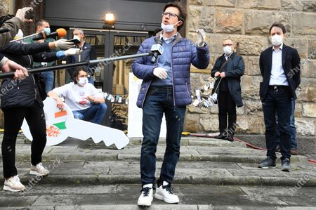 Mayor Dario Nardella during the protest of the restaurant owners