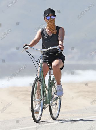 Editorial photo of Reese Witherspoon out and about, Malibu, USA - 02 May 2020