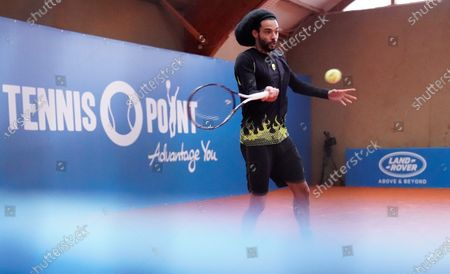 Player Dustin Brown in action during a live stream of an tennis exhibition series match in Hoehr-Grenzhausen, Germany, 04 May 2020. Countries and Sports organizers around the world are taking increased measures to stem the widespread of the SARS-CoV-2 coronavirus which causes the Covid-19 disease.