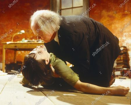 Juliette Binoche. Oliver Ford Davies