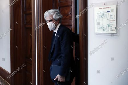Adolfo Suarez Illana (R), a congressman representing the right-wing Popular Party (PP) and son of the late former Spanish Prime Minister Adolfo Suarez Gonzalez, arrives to attend a meeting of the Board of Spain's Congress of Deputies (lower house of Parliament) in Madrid, Spain, 05 May 2020. Spain has begun loosening some of the strict movement restrictions it had implemented in a bid to slow down the spread of the pandemic COVID-19 disease caused by the SARS-CoV-2 coronavirus. People are now allowed to leave their home confinements during certain time windows to go for a walk or do exercise, though the state of emergency and general lockdown remain in place. The Spanish parliament will soon vote whether to grant the government's planned extension of the current state of emergency.
