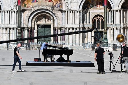 Stock Picture of Piazza San Marco closed, from 16.30 to 21.30 on Saturday 2 May for the shooting of a promotional and communication video by Zucchero Fornaciari. l of La Misericordia. In the summer of 2018 - it seems an era ago - he had held a concert right in Piazza San Marco.