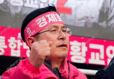 Hwang Kyo-ahn, Apr 11, 2020 : Hwang Kyo-ahn, South Korea's main opposition United Future Party chairman, attends his election campaign for the April 15 parliamentary elections in his electoral district of Jongno Ward in Seoul, South Korea. Hwang's headband reads,'Economic Renewal'. Hwang is running for the election in Jongno, a symbolic constituency in Korean politics where influences in politics are elected. Lee Nak-yeon, former prime minister of South Korea and a candidate of the ruling Democratic Party is also running in the constituency for the general elections. Lee and Hwang have been ranked as the first and second as the next president of South Korea in recent polls. The quadrennial elections will fill the 300-seat unicameral National Assembly of South Korea.