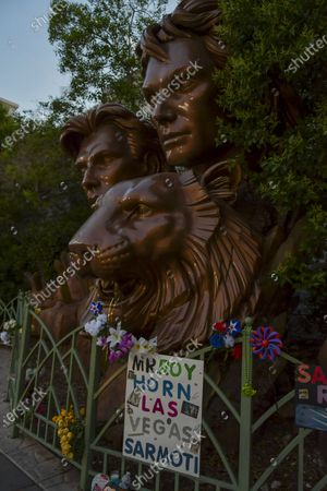 Remembering Roy Horn on the Las Vegas Strip