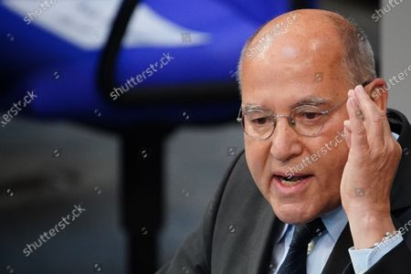 The Left (Die Linke) Member of Parliament Gregor Gysi speaks during a session at the German parliament 'Bundestag' in Berlin, Germany, 15 May 2020. The German parliament will discuss the global humanitarian situation amid the coronavirus crisis, among other topics.