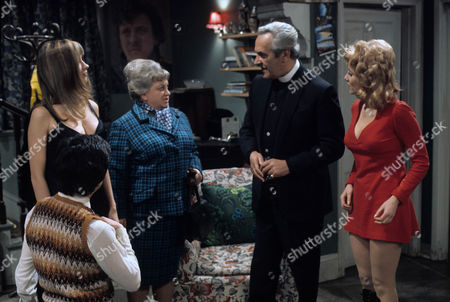 'Dear Mother.....Love Albert' TV Series - 1969 - 1972 - Mary Land, Amelia Bayntun as Ada Bissell, John Le Mesurier and Luan Peters as Leslie Willis.
