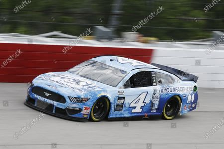 Kevin Harvick (4) drives during the NASCAR Cup Series auto race, in Darlington, S.C