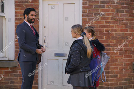 Ep 10070 Wednesday 3rd June 2020 Imran Habeeb, as played by Charlie de Melo, approaches Kelly, as played by Millie Gibson, wanting to know how he can get in touch with her Dad. Gary Windass clocks their exchange.