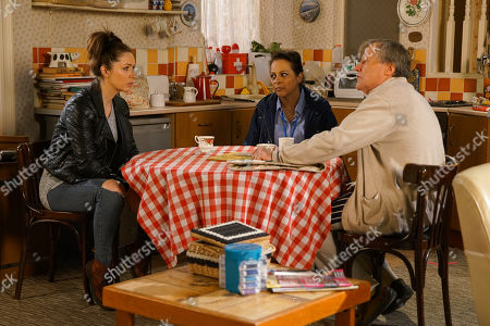 Ep 10070 Wednesday 3rd June 2020 Roy Cropper, as played by David Neilson, invites Shona Platt, as played by Julia Goulding, to move in and offers to show her and Alice, as played by Bucko Dhillon-Woolley, around his flat.