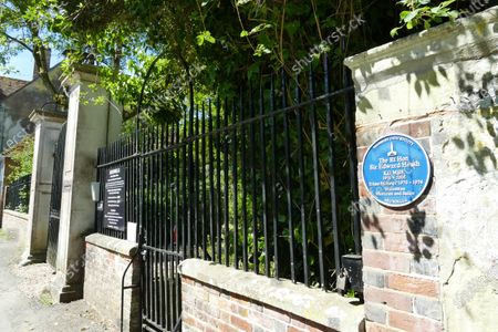 Arundels the former home of Sir Ted Heath remains closed