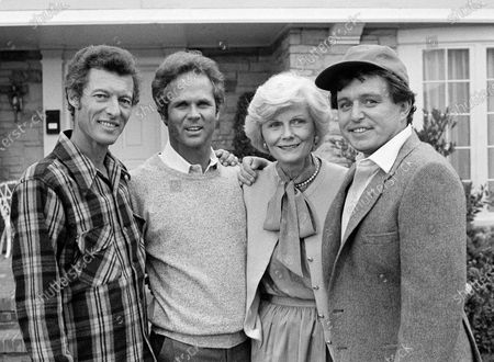 "Members of the original cast of the ""Leave It To Beaver,"" from left, Ken Osmond, Tony Dow, Barbara Billingsley and Jerry Mathers during the filming of their TV special, ""Still The Beaver,"" in Los Angeles. Osmond, who played the two-faced teenage scoundrel Eddie Haskell on TV's ""Leave it to Beaver,"" has died. Osmond's family says he died, in Los Angeles. He was 76"