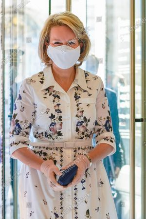 Stock Image of Queen Mathilde with a mouth mask