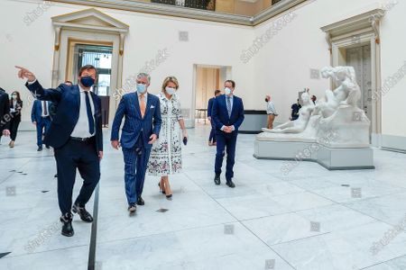 Michel Draguet, Queen Mathilde, King Philippe and David Clarinval with mouth masks