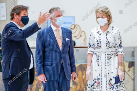 Michel Draguet, Queen Mathilde and King Philippe and with mouth masks