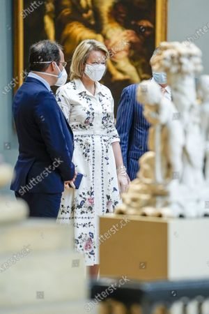 Queen Mathilde and David Clarinval with mouth masks