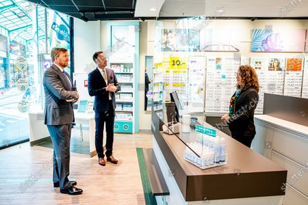 Stock Picture of King Willem-Alexander during a working visit to the shopping center Stein where the king visited a hairdresser, optician, nail studio and physiotherapist.The entrepreneurs have contact professions and - after a period of forced closure - have started their company restart on 11 May during the corona crisis.