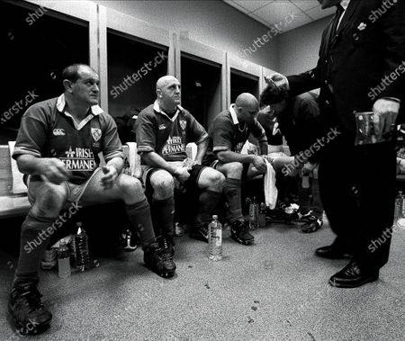 Putting It On The Line 2002. Six Nations Ireland 6/4/2002. Peter Clohessy and Keith Wood receive some encouragement at half time