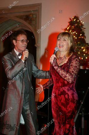 Cliff Richard's Tennis Foundation Dinner at Hampton Court 11th Dec 2003: Cliff Richard and Lesley Garrett
