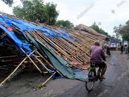 """West Bengal Chief Minister Mamata Banerjee on Thursday said that 72 people have died due to super cyclone Amphan in the state and requested Prime Minister Narendra Modi to visit the affected areas. Banerjee said, """" I have never seen such a disaster before. I will ask PM to visit the state and see the situation. There have been casualties."""""""