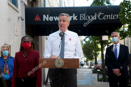 New York City Mayor Bill De Blasio and New York First Lady Chirlane McCray hold a press conference after donating blood at the New York Blood Center with New York Assembly Member Rebecca Seawright and Christopher D. Hillyer, MD, President and CEO of New York Blood Center (NYBC) in attendance requesting New Yorkers to donate blood