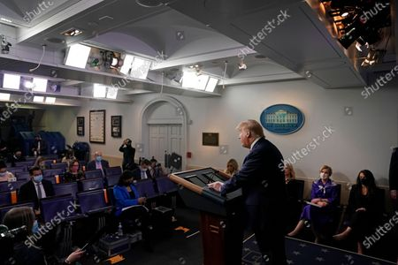 US President Donald J. Trump speaks during a news conference in the Brady Press Briefing Room of the White House in Washingtonn, DC, USA, on 22 May 2020.