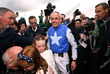 2019 Punchestown Festival, Punchestown Racecourse, Co. Kildare 1/5/2019. The Coral Punchestown Gold Cup. Jockey Ruby Walsh after winning with Kemboy and announcing his retirement alongside his daughters, father Ted and brother Ted Junior