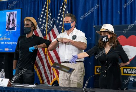 Chris Rock, Governor Cuomo, Rosie Perez shake elbows after briefing on COVID-19 response at Madison Square Boys and Girls Club